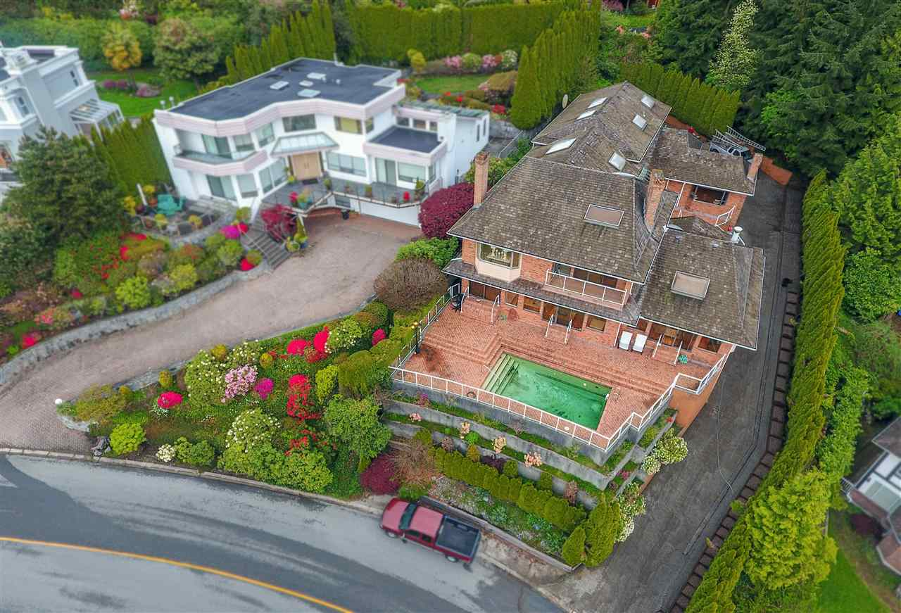 2366 WESTHILL DRIVE, West Vancouver, BC V7S 2Z5