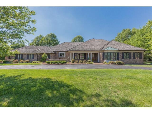 12111 Oakcrest Estates Court, Sunset Hills, MO 63128