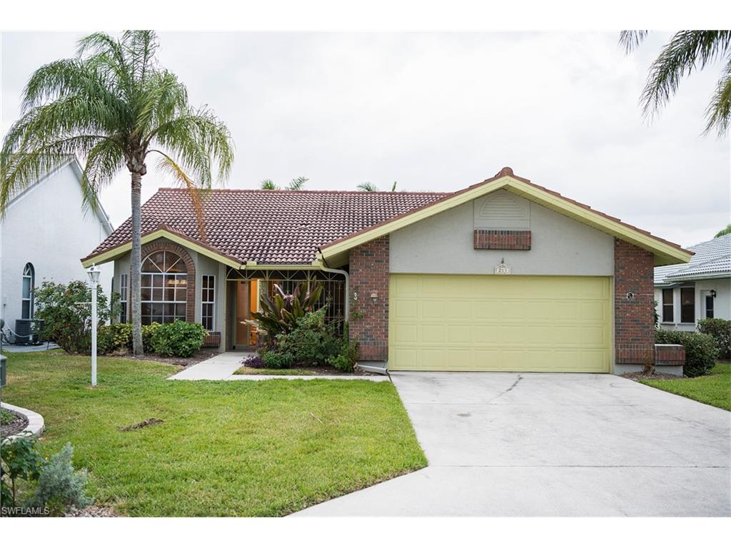 253 Countryside DR, NAPLES, FL 34104