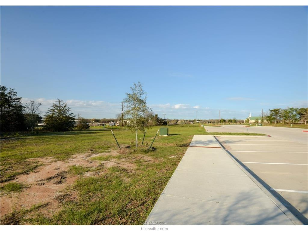 3807 McCULLOUGH, College Station, TX 77845