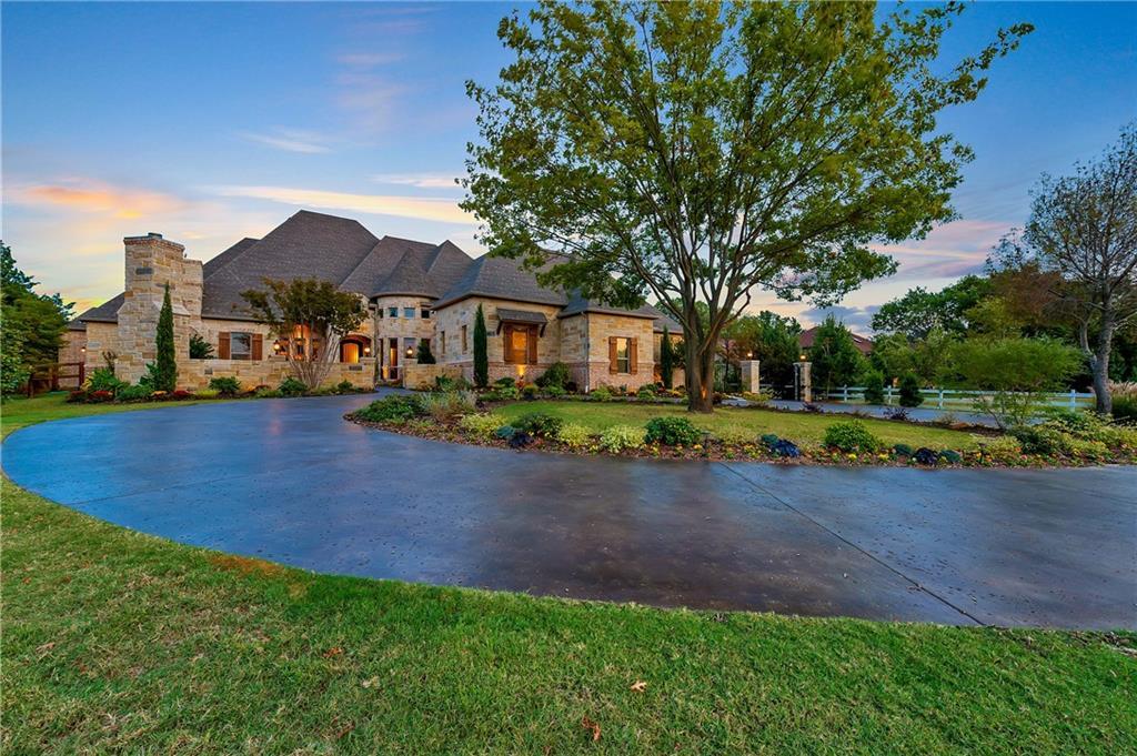 823 S Peytonville Avenue, Southlake, TX 76092