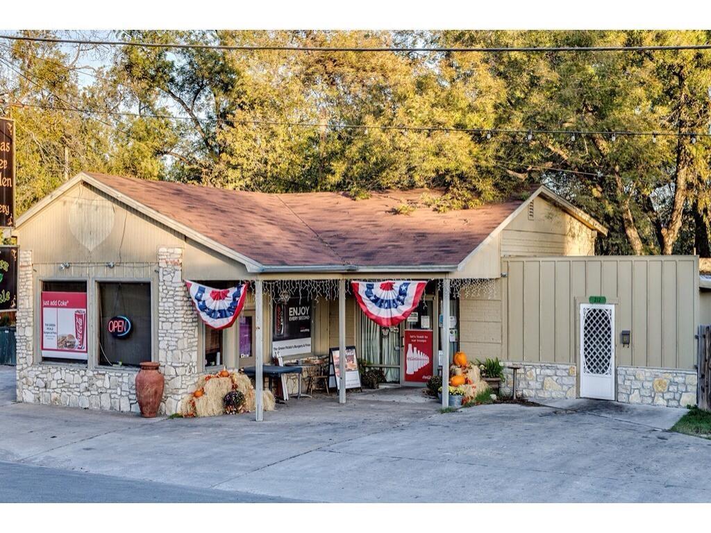 212 BARNARD, Glen Rose, TX 76043