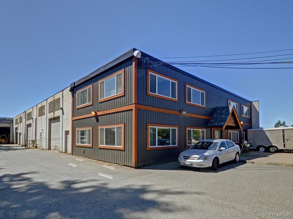 961 Dunford Ave, Victoria, BC V9B 2S4
