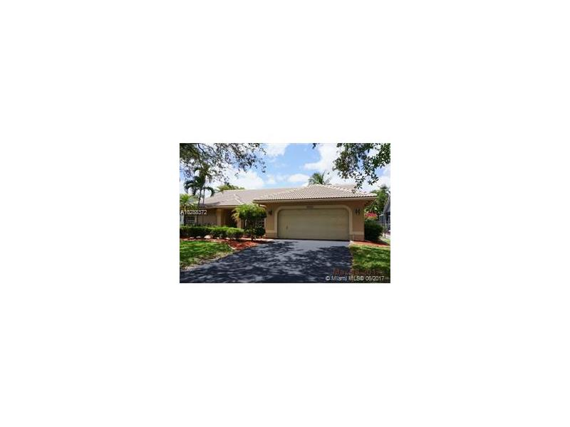 10377 NW 49th Ct, Coral Springs, FL 33076