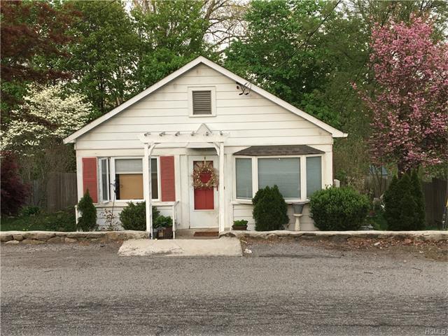 40 Argyle Street, Lake Peekskill, NY 10537