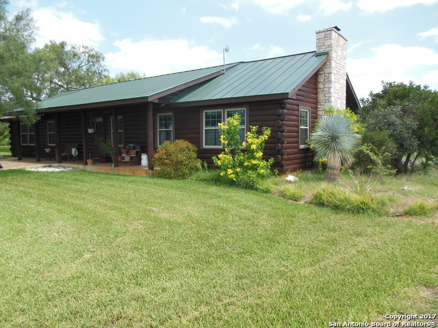 660 COUNTY ROAD 4001, Pearsall, TX 78061