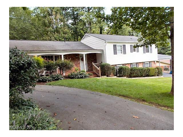 318 Woodland Trail, Hendersonville, NC 28739
