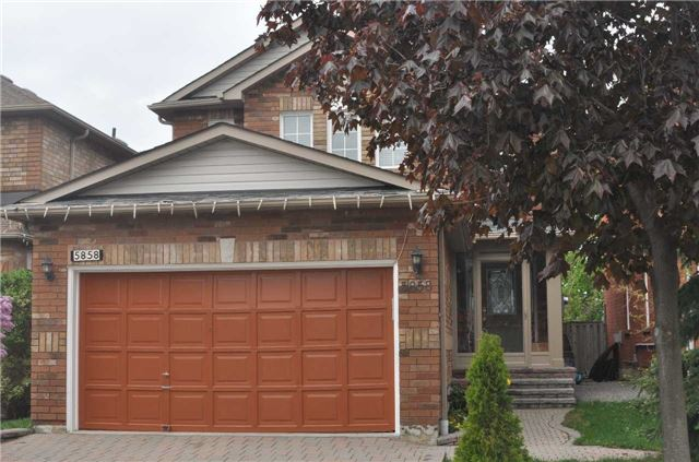 5858 Sidmouth St, Mississauga, ON L5E 2J9