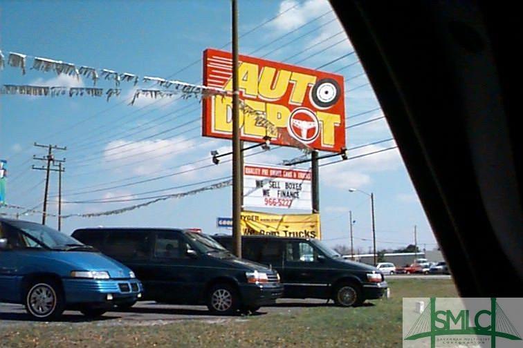 511 US Highway 80 W, Garden City, GA 31408