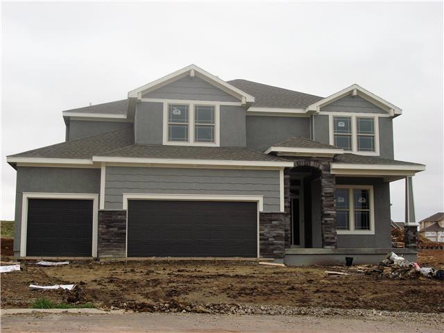 11531 S Montclaire Drive, Olathe, KS 66061