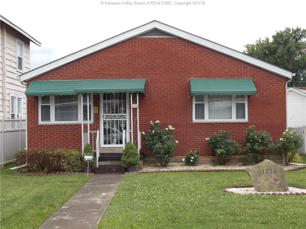 1213 West Virginia Avenue, Dunbar, WV 25064