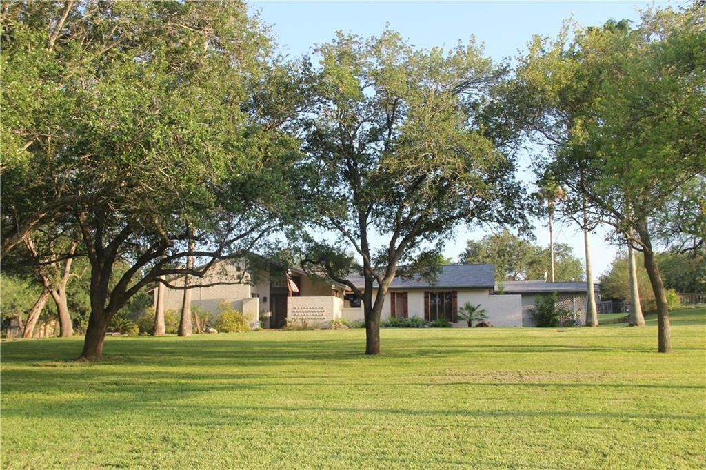 4103 Emil St, Robstown, TX 78380