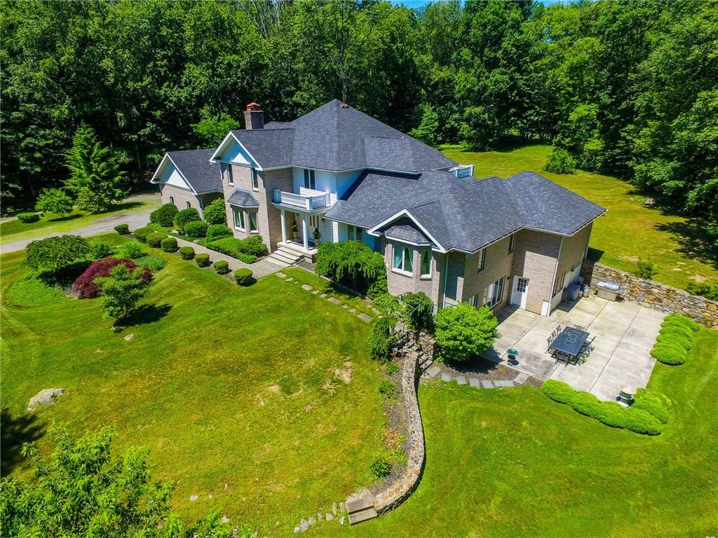 54 Falcon Crest Road, Middlebury, CT 06762