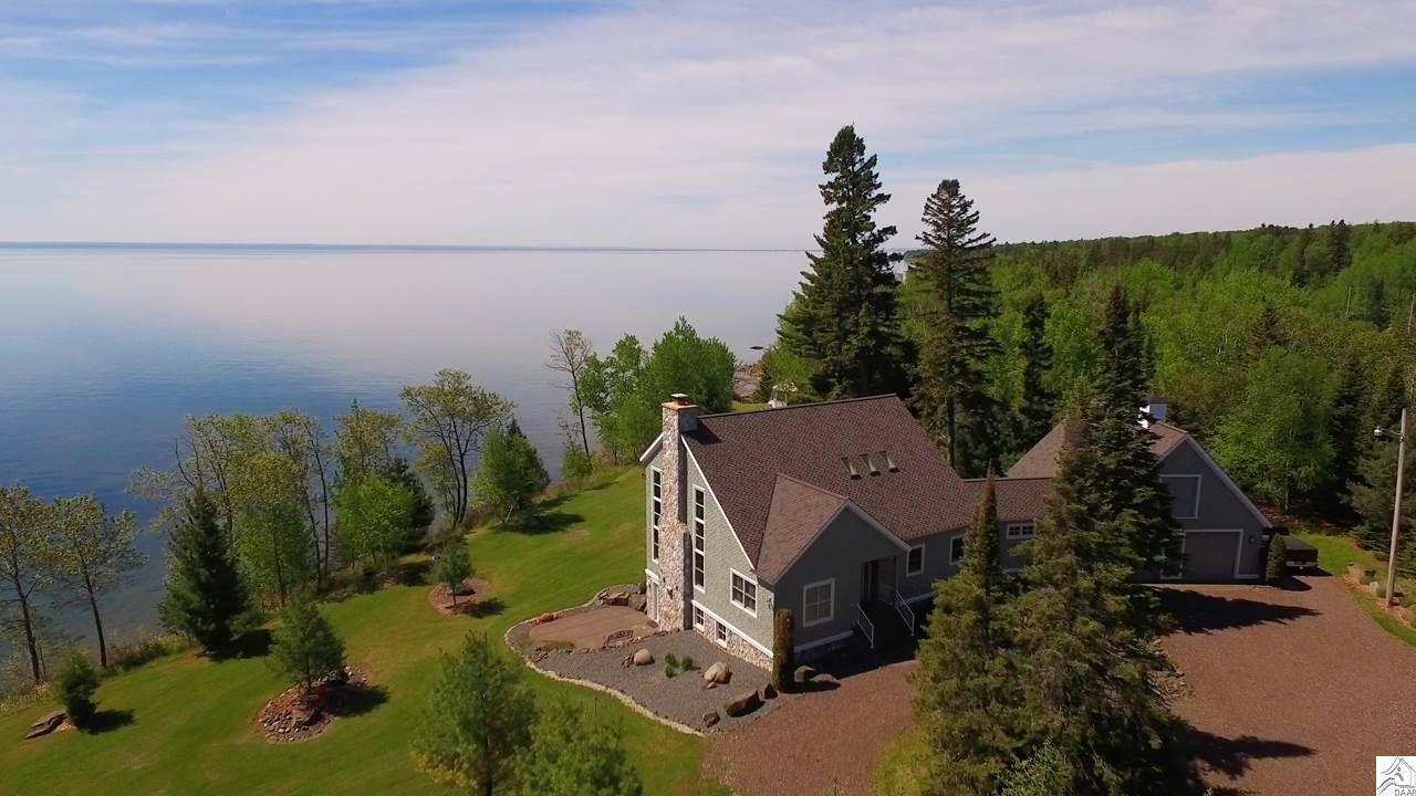 5384 North Shore Dr, Duluth, MN 55804