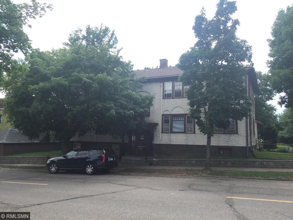 385 Earl Street, Saint Paul, MN 55106