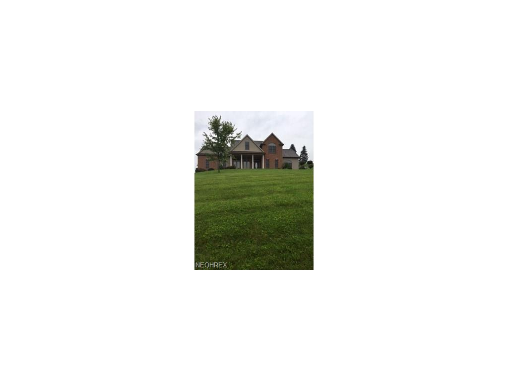 10 Kimberly Ln, Coshocton, OH 43812