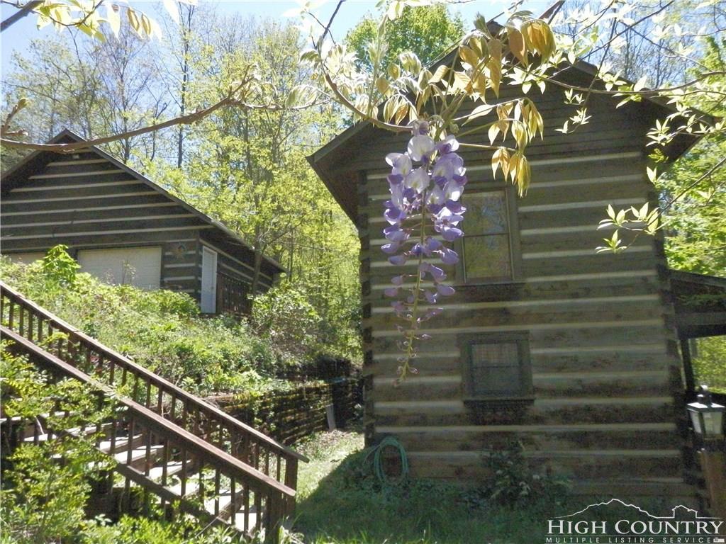 1444 Rich Mountain Road, Zionville, NC 28698