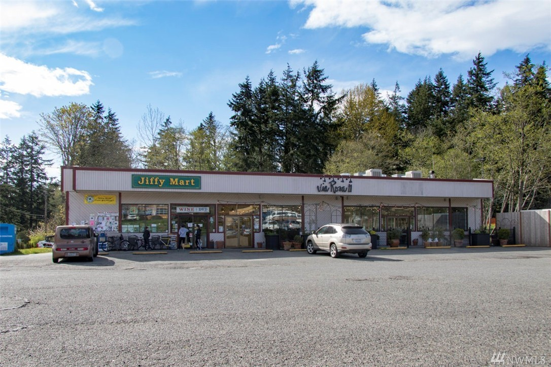 10320 NE Valley Rd, Bainbridge Island, WA 98110