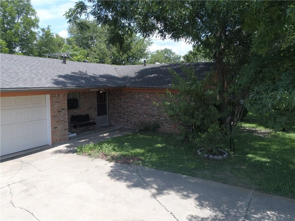 101 E Young Street, Howe, TX 75459