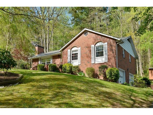 CHARM/CURB APPEAL/LOCATION - A WIN-WIN COMBINATION!! 3 BD/RMS, 2 FULL BATHS,LIV/RM W/FLR-CEIL FIREPLACE,SPACIOUS MSTR/BDRM,, INVITING KITchen W/BREAKFAST BAR AND BEAUT. CABINETS. DIN/RM OPENS TO DECK & PRIVATE/LRG.WOODED BACK YARD W/PARK LIKE SETTING. HARDWOOD FLRS (BRAZILLIAN ROSEWOOD) IN FOYER,LIV/RM,DIN/RM,HALLWAY. CERAMIC TILE FLRS- KITCHEN & BOTH BATHROOMS.HOME REMODELED 2007 (SEE ATTACHMENT+UPDATES/IMPROVEMENTS). WELL LOVED/CARED FOR HOME LOCATED JUST MINUTES FM SHOPPING & CONVENIENCES.