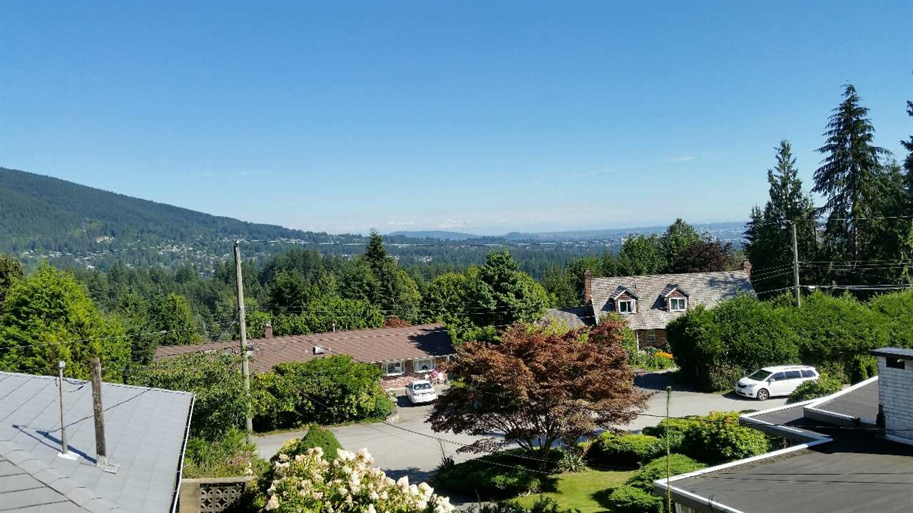567 ST. GILES ROAD, West Vancouver, BC V7S 1L7