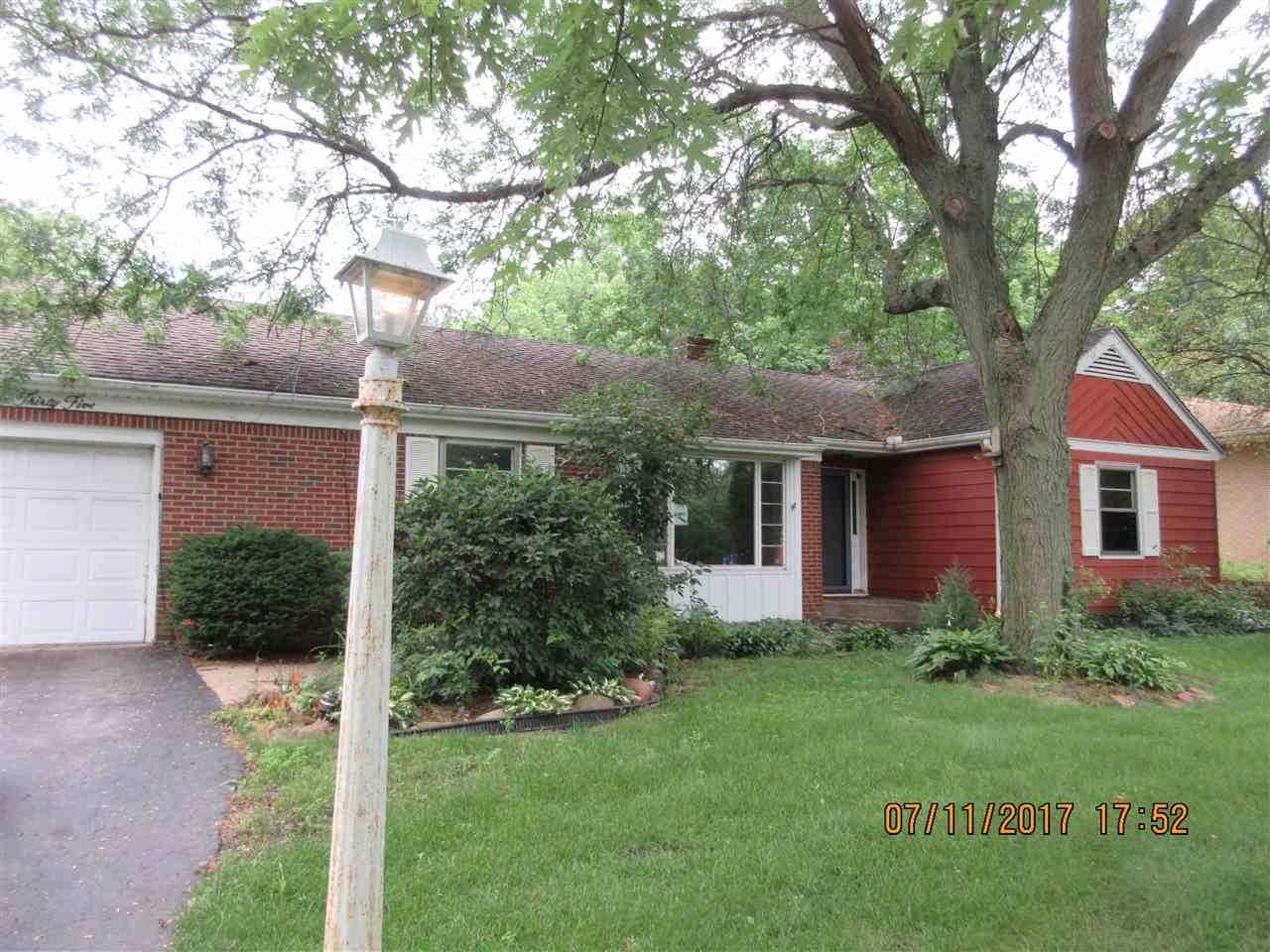 1835 Parkview Avenue, ROCKFORD, IL 61107