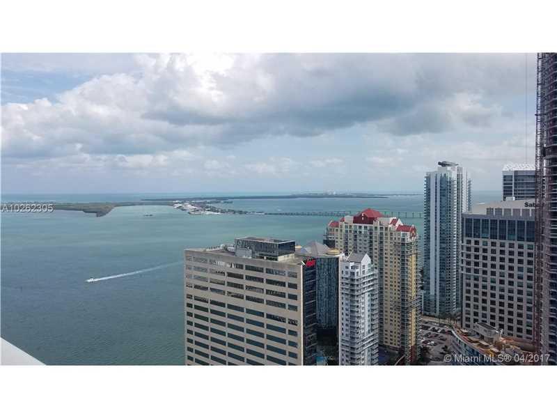 950 Brickell Bay Dr 44-09, Miami, FL 33131
