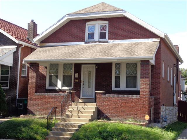 4678 Rosa Avenue, St Louis, MO 63116