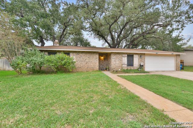 1310 MEADOWLARK DR, Pleasanton, TX 78064