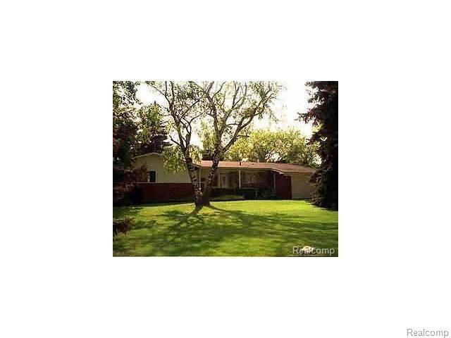 7115 SPRINGRIDGE RD, West Bloomfield Twp, MI 48322