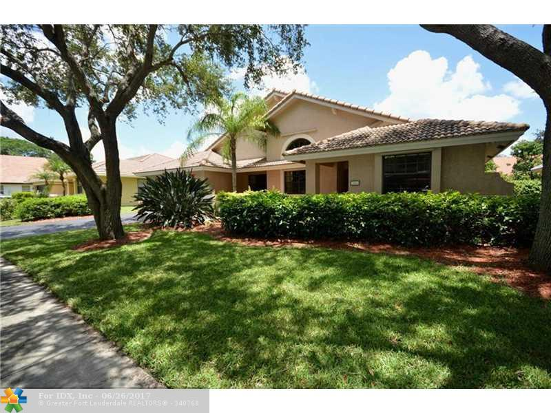 2911 Hidden Hollow Ln, Davie, FL 33328