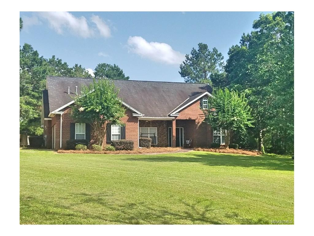 77 Wildberry Lane, Wetumpka, AL 36092