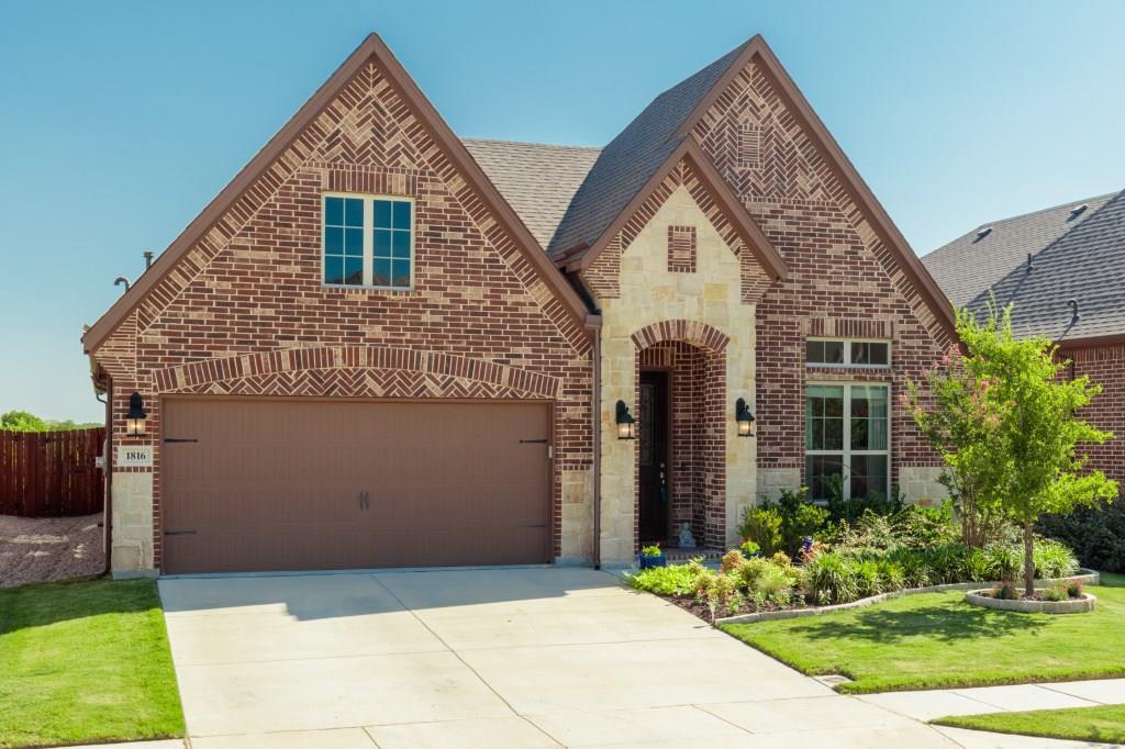 1816 Halifax Street, Roanoke, TX 76262