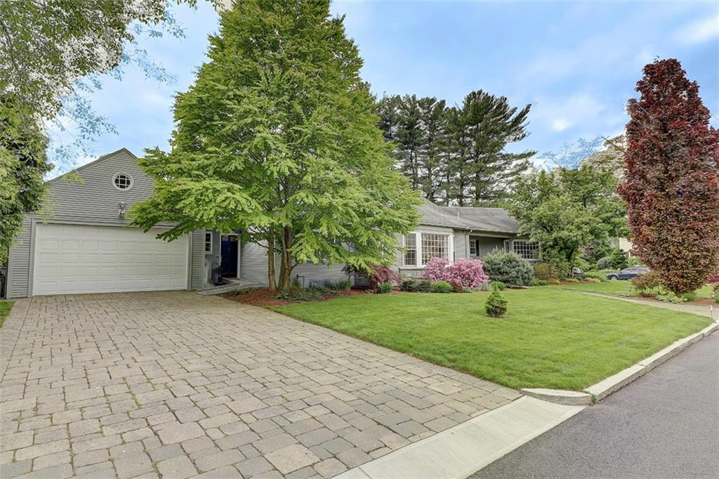 4 HARIAN RD, East Side of Prov, RI 02906