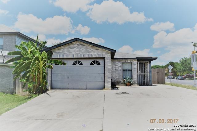 8002 HOOVERS BND, San Antonio, TX 78250