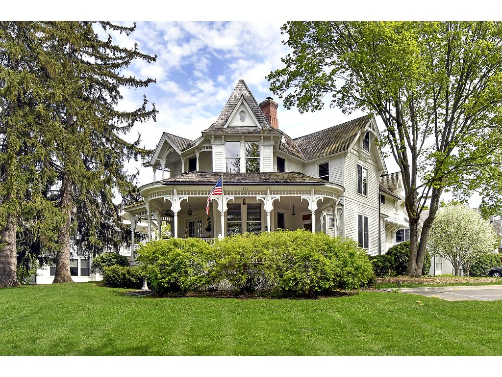 201 Mill Street W201, Excelsior, MN 55331
