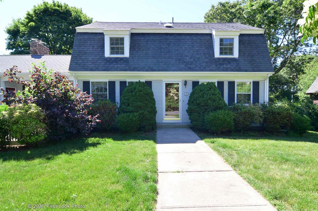71 River Heights DR, South Kingstown, RI 02879