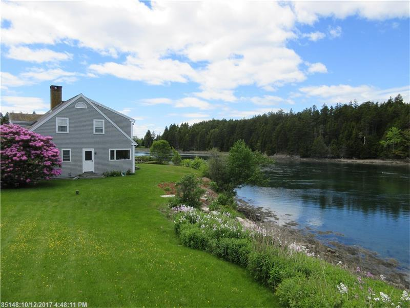 12 Grist Mill LN , Harpswell, ME 04079