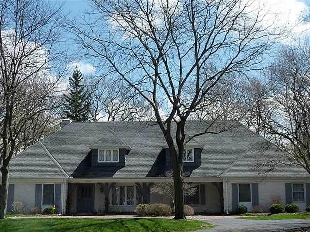 2390 Brookview Dr, Ottawa Hills, OH 43615