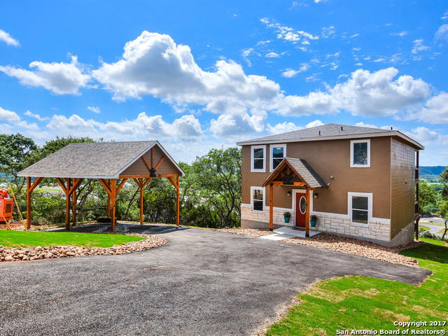 924 Kindersley, Canyon Lake, TX 78133