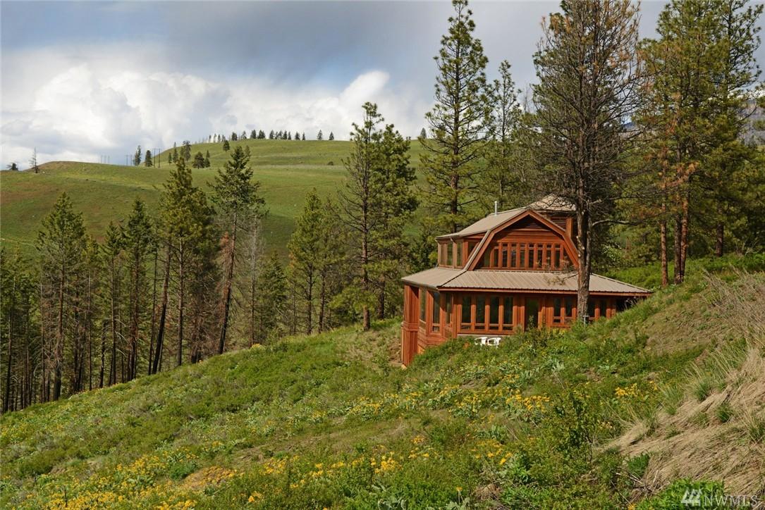 98 Sage Canyon Dr, Winthrop, WA 98862