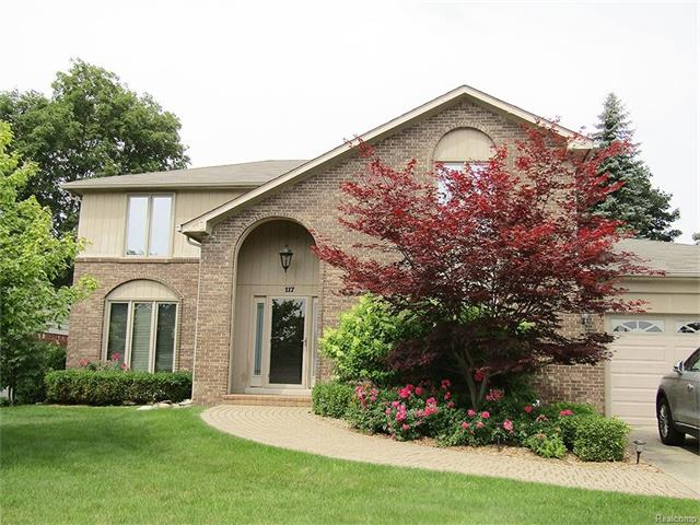 117 ROSE BRIER Drive, Rochester Hills, MI 48309
