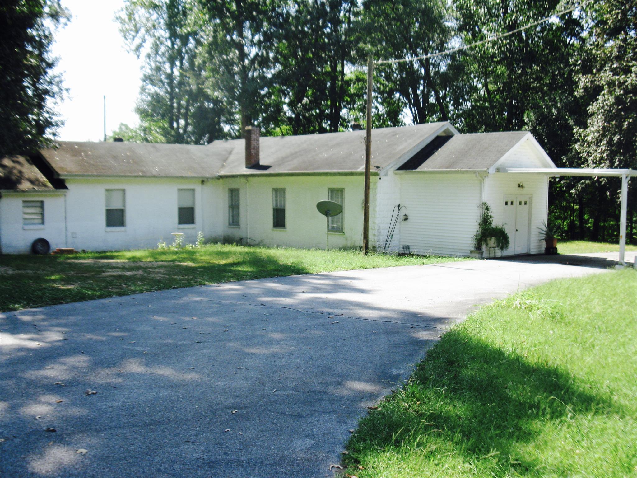 2209 Waynesboro Hwy, Hohenwald, TN 38462