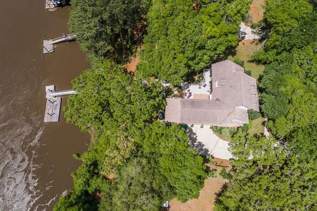 1184 River Drive SW, Darien, GA 31305