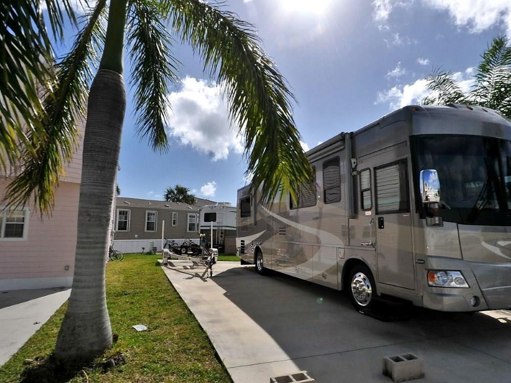338 Nettles Blvd, Jensen Beach, FL 34957