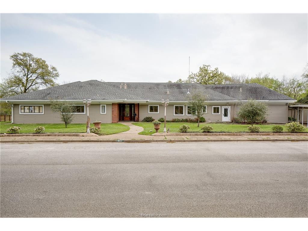 407 Crescent Drive, Bryan, TX 77801