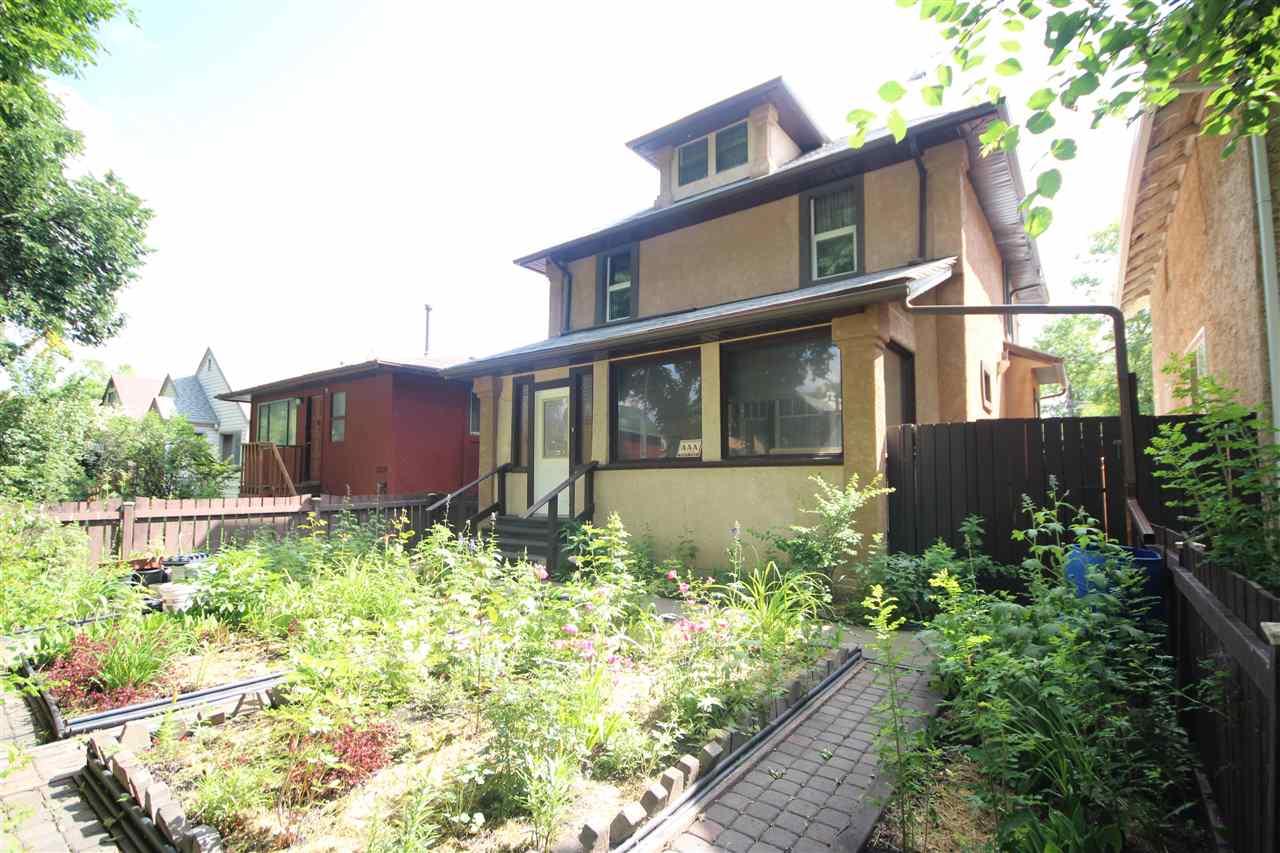 11227 93 Street, Edmonton, AB T5G 1B9