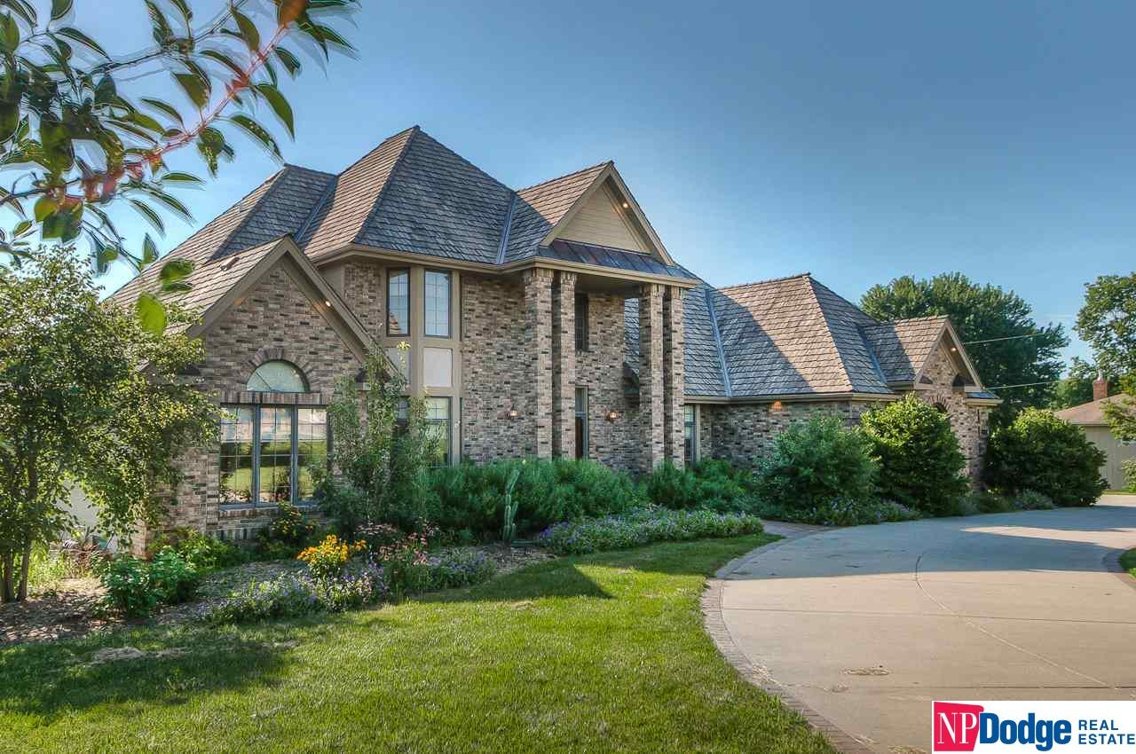 13903 S 36th Street, Bellevue, NE 68123