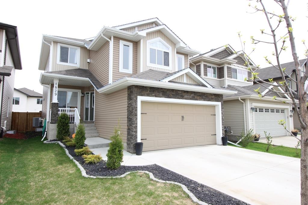 1829 WASHBURN Drive, Edmonton, AB T6W 2E3