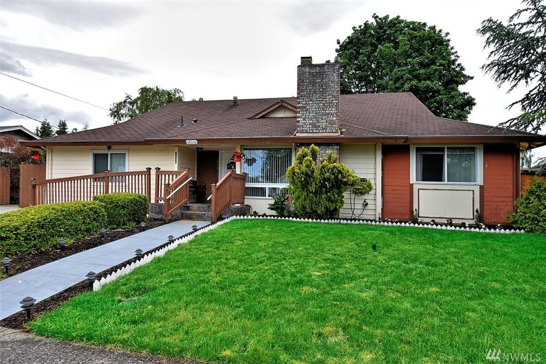 1026 Tacoma Ave NE, Renton, WA 98056